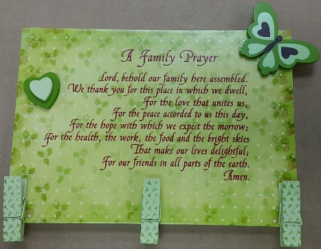 MDF Memo Holder A FAMILY PRAYER